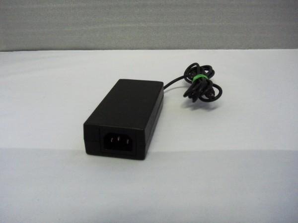 ISO Netzteil Ladegerät AC Adapter 60W 12V 5,0A KPA-060F B *11