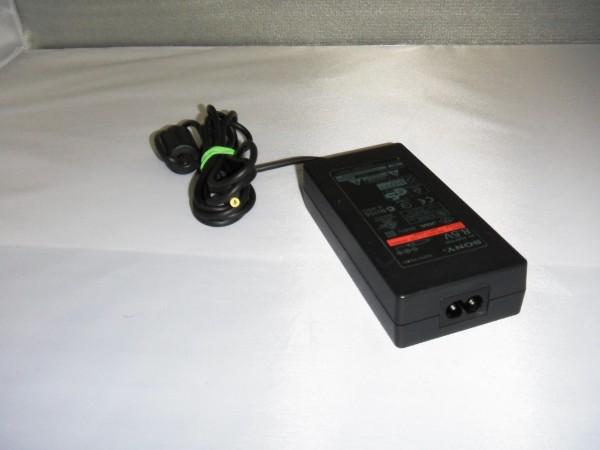 Sony Netzteil Ladegerät AC Adapter 48W 8,5V 3,5,65A SCPH-70100 B *4