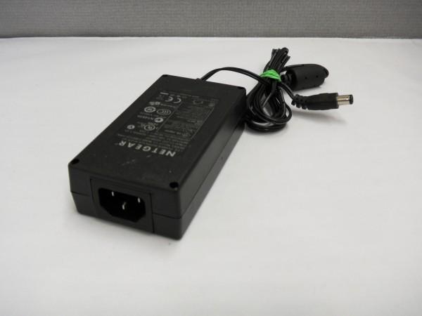 Netgear Netzteil Ladegerät AC Adapter 70W 19V 3,68A NU60-F480125-I1MN B *25