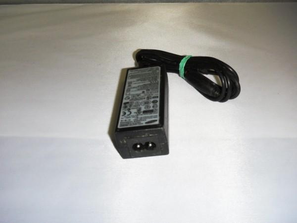 Samsung Netzteil Ladegerät AC Adapter 30W 14,0V 2,14A PN3014 B *5