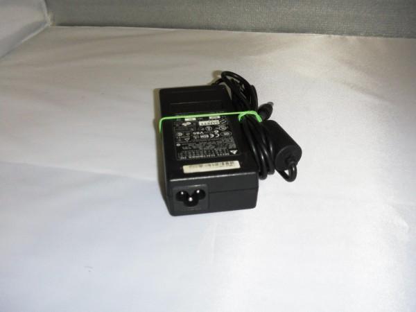 Acer Delta Electronic Inc. Netzteil Ladegerät AC Adapter 90W 19V 4,74A ADP-90SBBB B *9