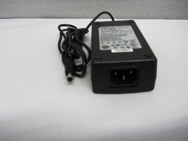 HJC Netzteil Ladegerät AC Adapter 48W 12V 4A HASU05F B *38