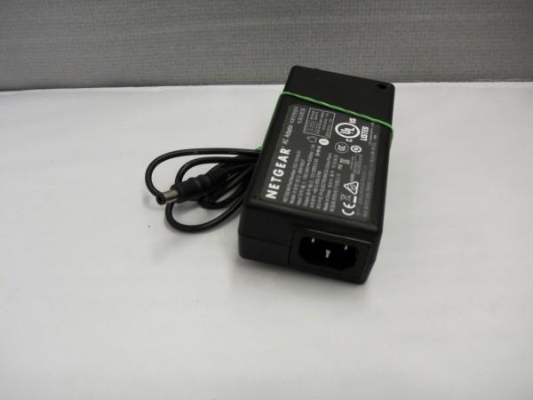 Netgear Netzteil Ladegerät AC Adapter 60W 12V 5,0A 332-10318-01 B *37