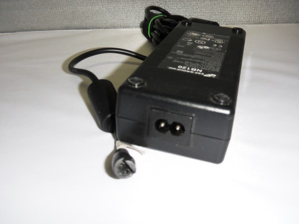FSP Netzteil Ladegerät AC Adapter 120W 19V 6,32A FSP120-AAC B *40