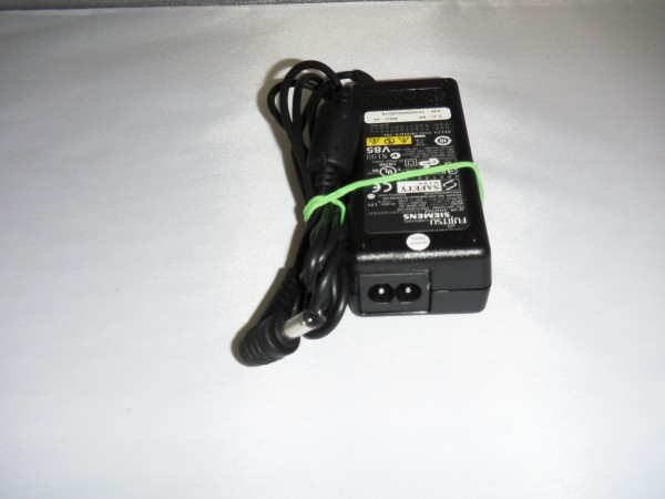 Fujitsu-Siemens Netzteil Ladegerät AC Adapter 65W 20V 3,25A S26113-E519-V55 B *43