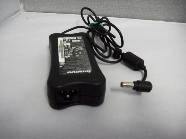 Lenovo Netzteil Ladegerät AC Adapter 65W 19V 3,42A 36001682 B *27