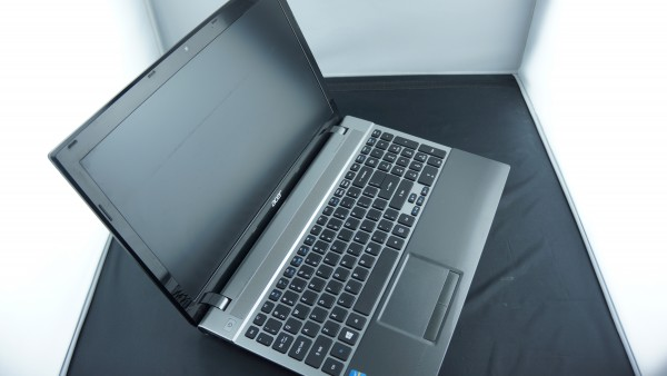 """Acer Apire Profes. Tuned 15"""" IntelCore i5-3230M 2.60GHz 4GB RAM 320GB HDD Win7"""
