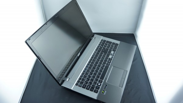 "Acer Aspire 17"" V3-771G CPU i5-3320M Nvidia GT650M 320GB HDD 4GB RAM"